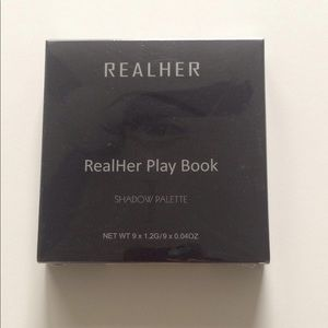 RealHer Play Book 9 color eye shadow pallete